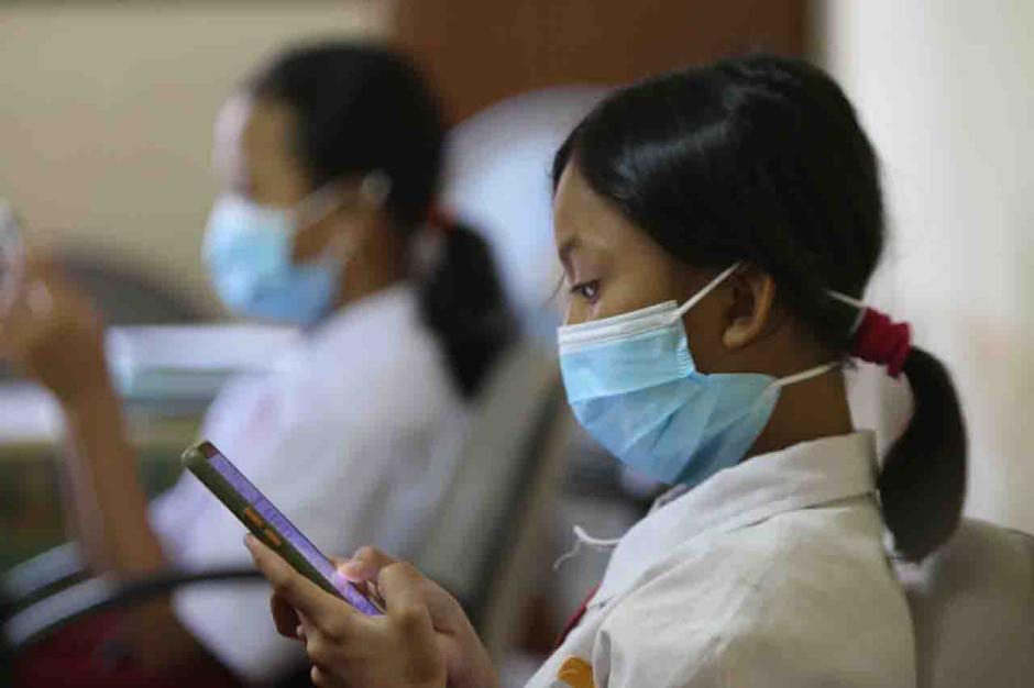 Siswa SD di Pulau Panggang Jalani Ujian Sekolah Secara Online-3