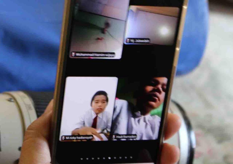 Siswa SD di Pulau Panggang Jalani Ujian Sekolah Secara Online-2
