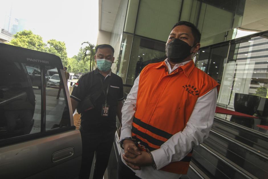 Terima Suap, Dewas KPK Pecat Penyidik Robin Pattuju Secara Tidak Hormat-2