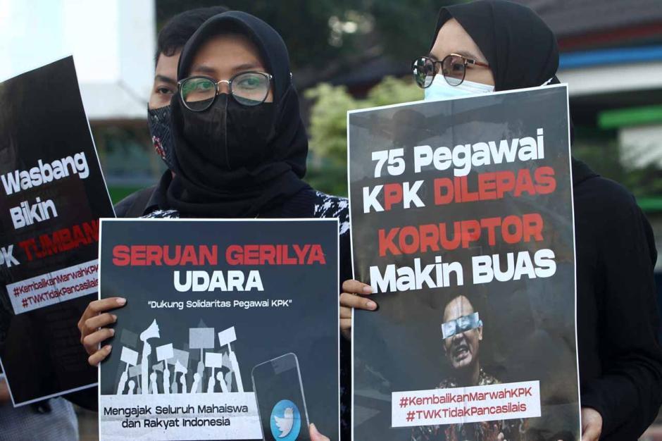 Aktivis GERTAK Unjuk Rasa Tolak Pelemahan KPK-2