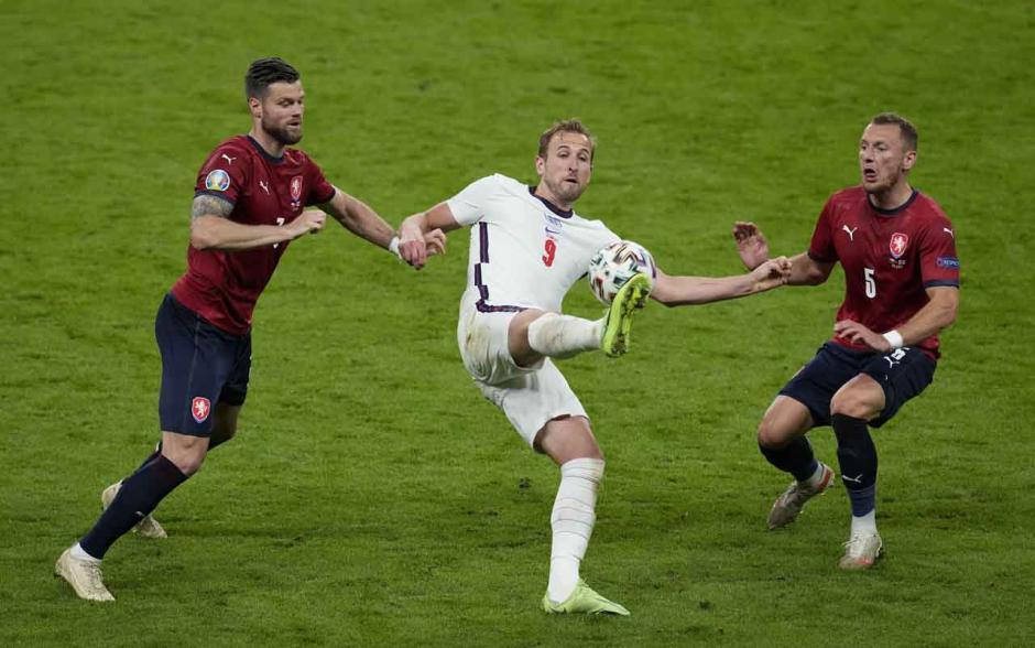 Bungkam Republik Ceko, Inggris Juara Grup D-2