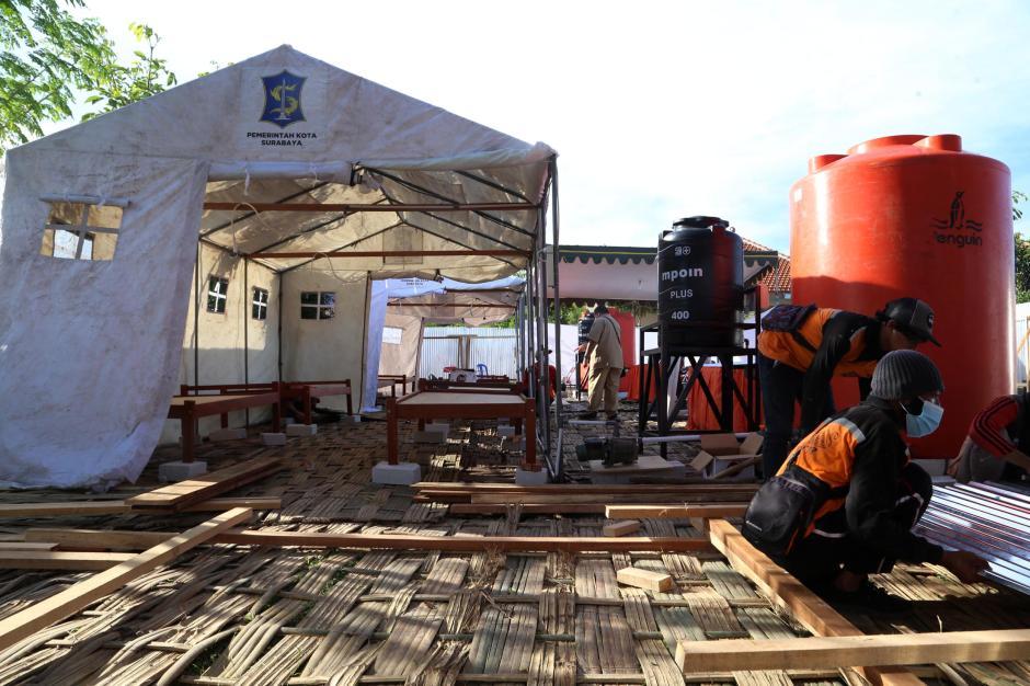 Kematian Covid-19 Tinggi, Pemkot Surabaya Dirikan Tempat Pemulasaraan Darurat-2