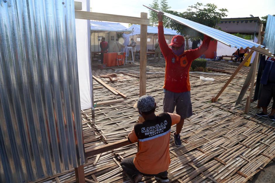 Kematian Covid-19 Tinggi, Pemkot Surabaya Dirikan Tempat Pemulasaraan Darurat-4