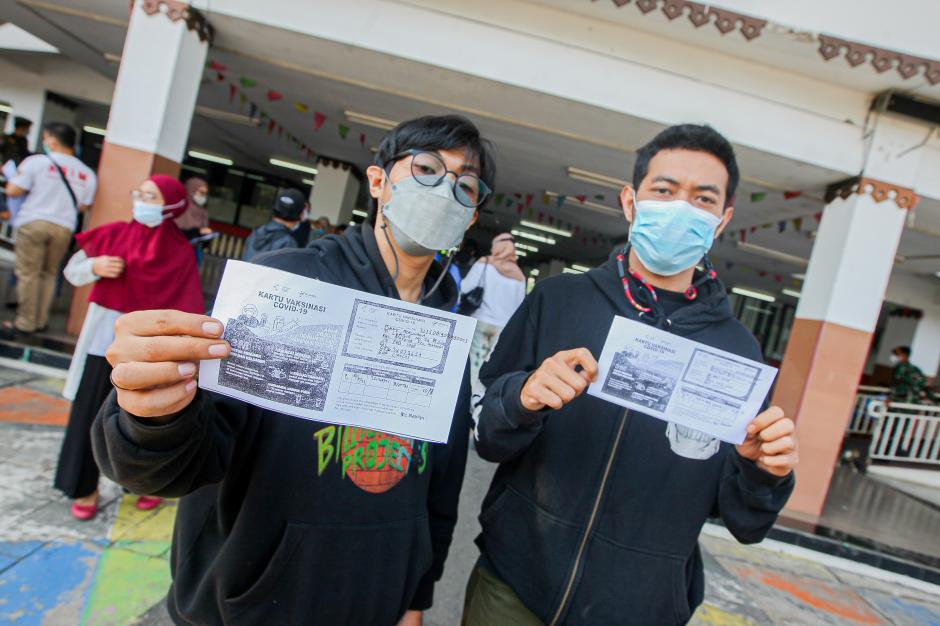 Sentra Vaksinasi Gor Ciracas Tambah Kuota Jadi 5.000 Orang Per Hari-4