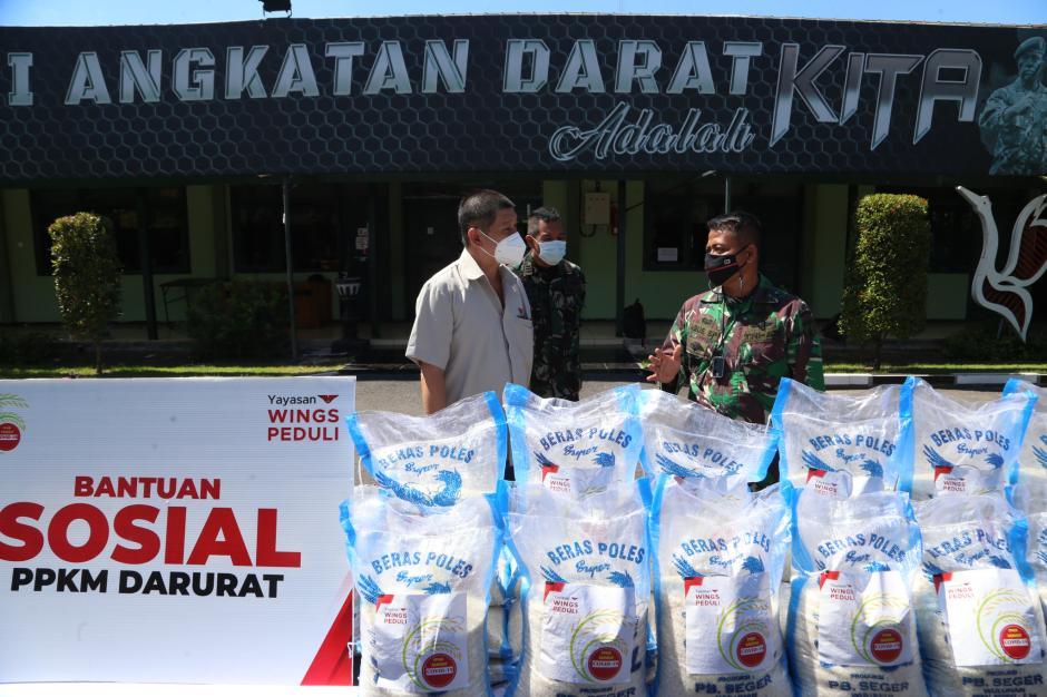 Yayasan Wings Peduli Serahkan Bantuan Logistik Kepada Jajaran Korem di Jawa Timur-0