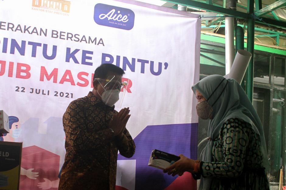 KSP-AICE Distribusikan Masker Medis ke Warga Kemayoran-0