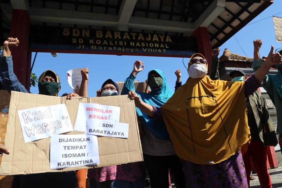 Warga Surabaya Tolak Gedung Sekolah Dijadikan Ruang Isolasi Covid-19-6
