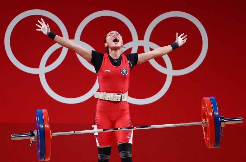 Sumbang Medali Pertama, Begini Potret Perjuangan Atlet Angkat Besi Indonesia Windy Cantika Saat Berlaga di Olimpiade Tokyo 2020-2