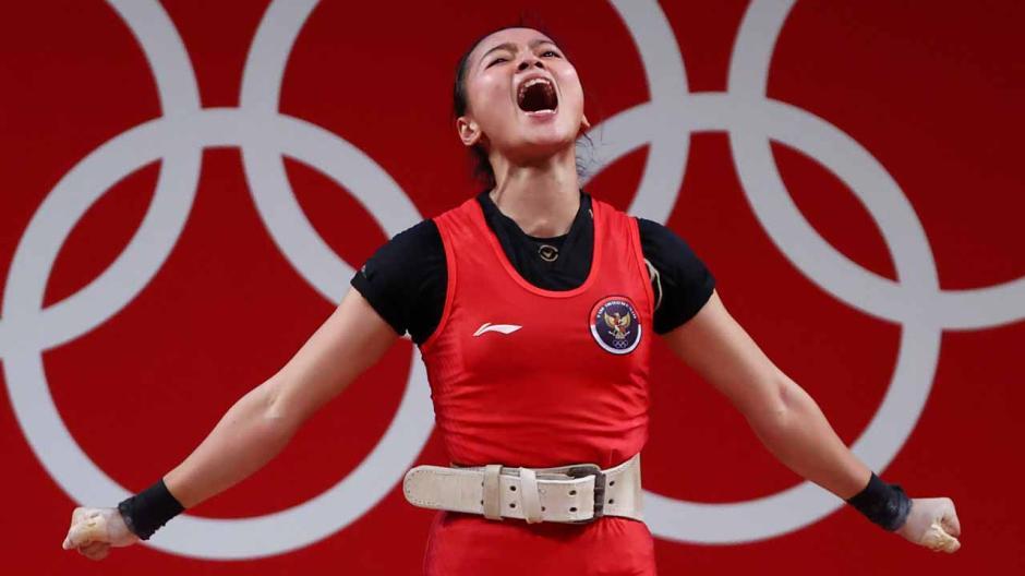 Sumbang Medali Pertama, Begini Potret Perjuangan Atlet Angkat Besi Indonesia Windy Cantika Saat Berlaga di Olimpiade Tokyo 2020-5