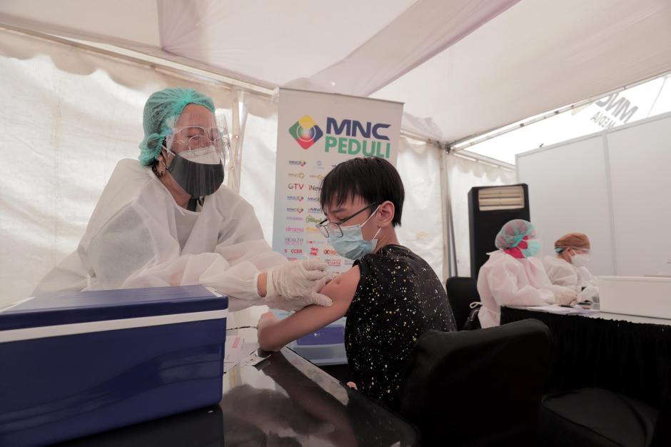Vaksinasi Covid-19 di Sentra Vaksinasi MNC Center Kebon Jeruk-0