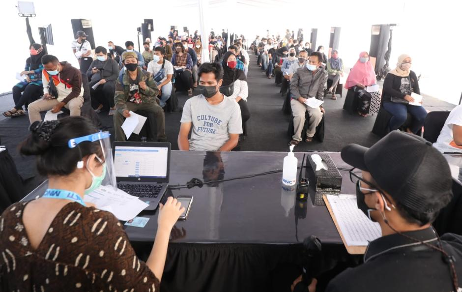 Menparekraf Sandiaga Uno Tinjau Sentra Vaksin COVID-19 di MNC Studio Kebon Jeruk-5