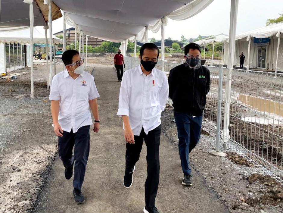Jokowi Tinjau Pembangunan Rumah Oksigen Gotong Royong-3