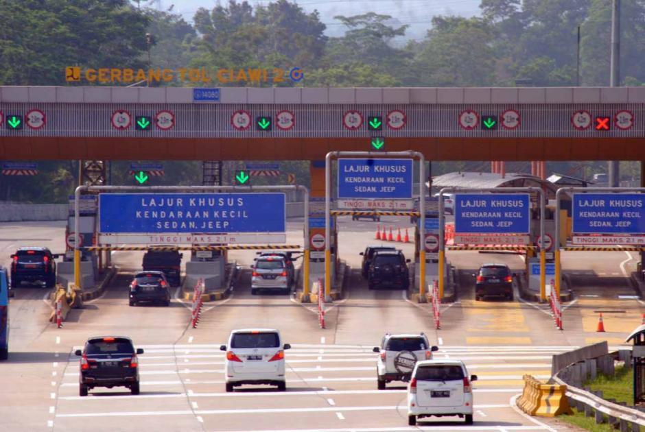 Penurunan Jumlah Kendaraan di Jalan Tol Jabodetabek-1