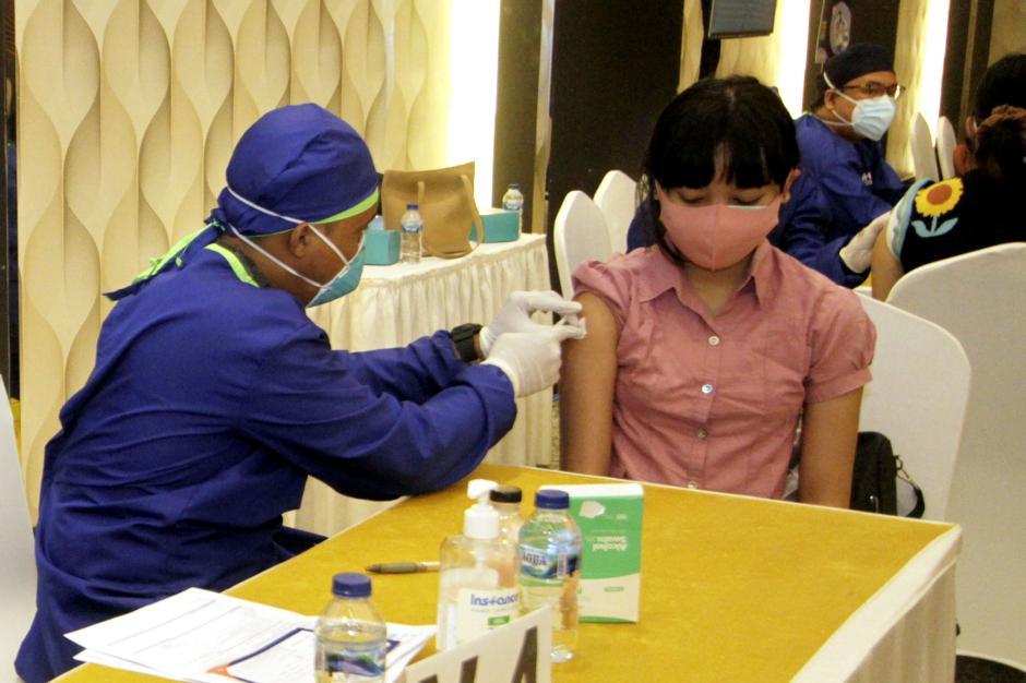 Program Vaksinasi Kolaborasi-1
