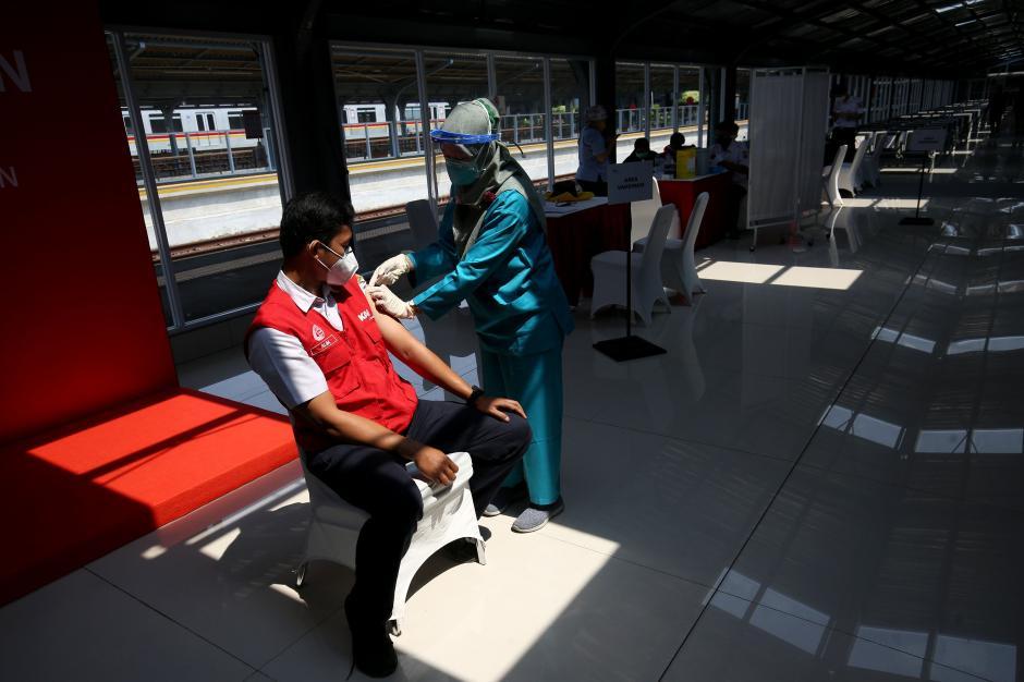 Percepatan Vaksinasi Covid-19 di Stasiun Jakarta Kota-1