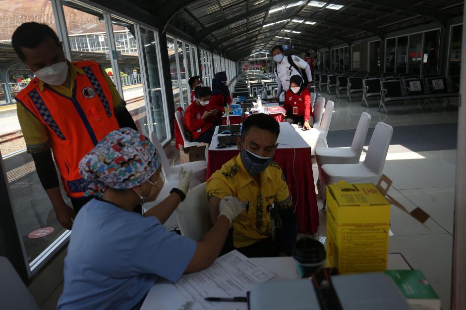 Percepatan Vaksinasi Covid-19 di Stasiun Jakarta Kota-0
