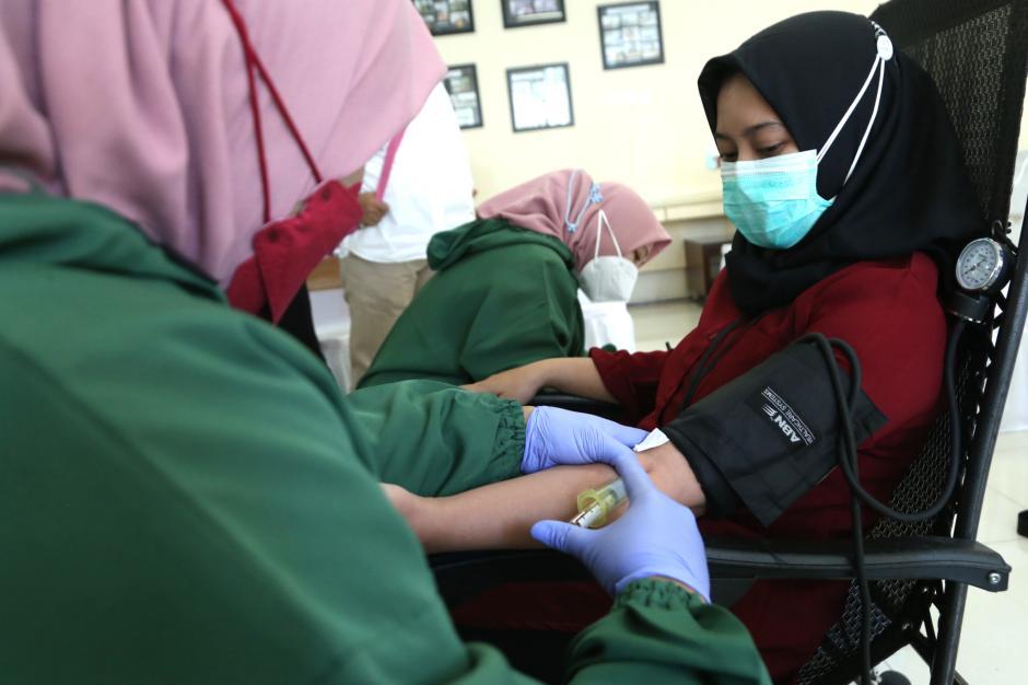 Stok Darah PMI Tipis, RS Manyar Medical Centre Gelar Donor Plasma Konvalesen-0