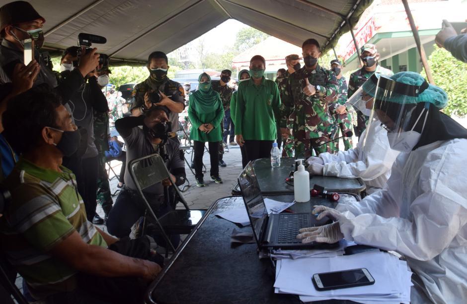 Kunjungi Rumah Sakit Tentara di Semarang, KSAD Pompa Semangat Tenaga Kesehatan-5