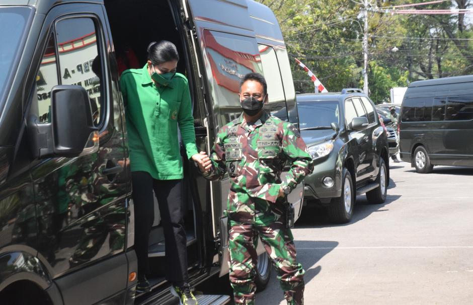 Kunjungi Rumah Sakit Tentara di Semarang, KSAD Pompa Semangat Tenaga Kesehatan-0