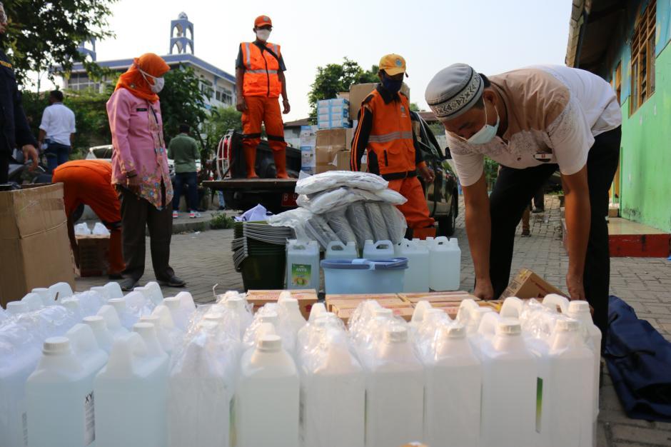 Bantu Penanggulangan Covid-19, Pamapersada Nusantara Serahkan Bantuan Alkes-2
