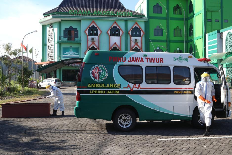 Relawan Satgas Covid-19 PWNU Jatim Siap Jemput dan Rawat Jenazah Covid-19-4