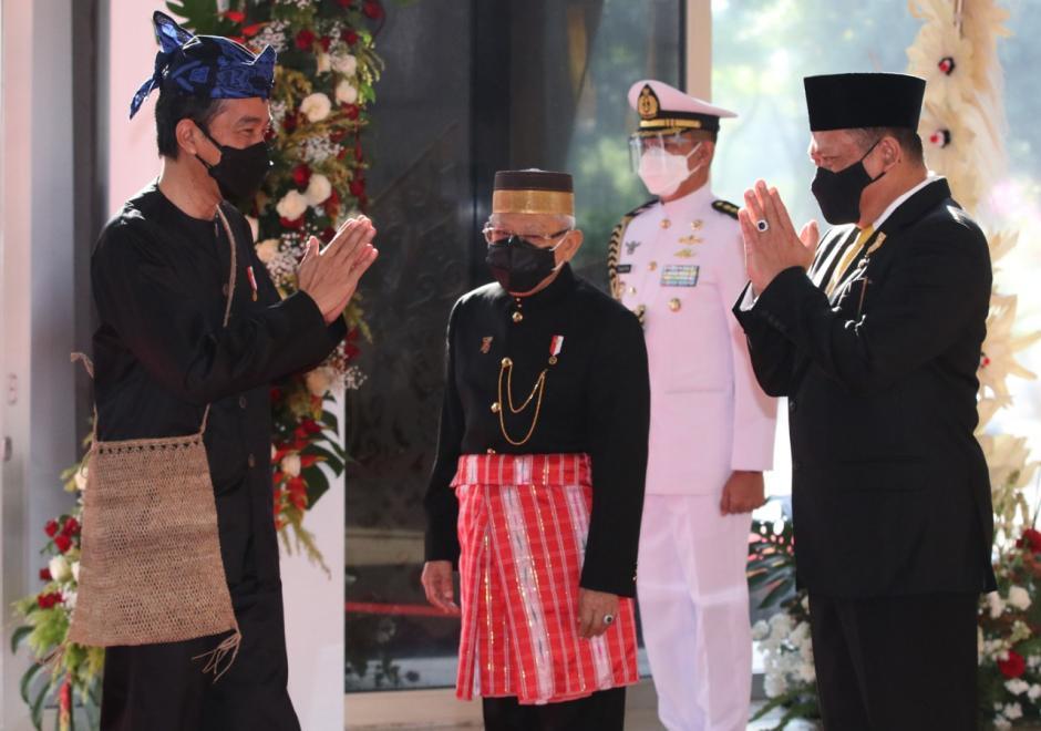 Kenakan Baju Adat Khas Baduy, Presiden Jokowi Hadiri Sidang Tahunan MPR-0