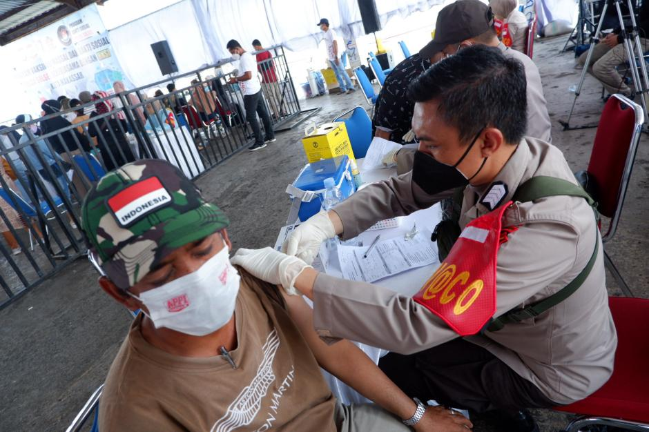 Vaksinasi Covid-19 di Tempat Pelelangan Ikan Paotere Makassar-4