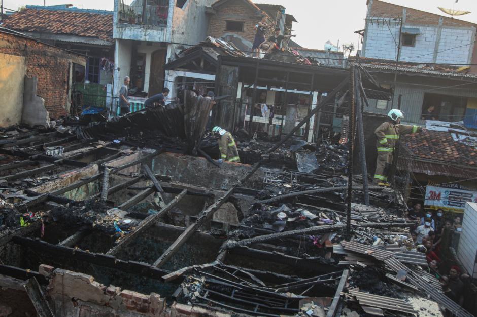 Imbas Kebakaran Kampung Pulo, 66 Kepala Keluarga Kehilangan Tempat Tinggal-4