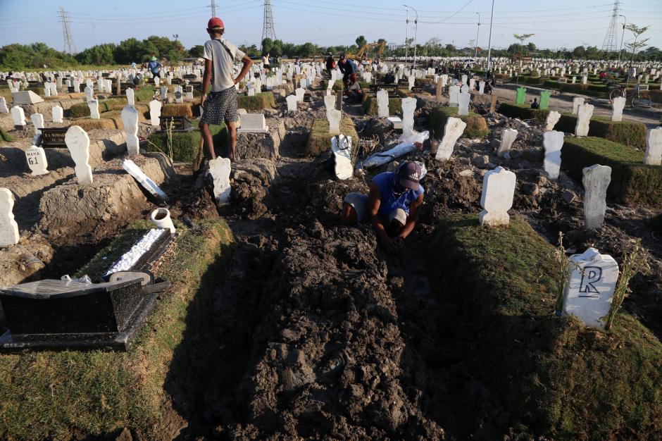 Kematian Akibat Covid-19 di Surabaya Hampir Nihil-4
