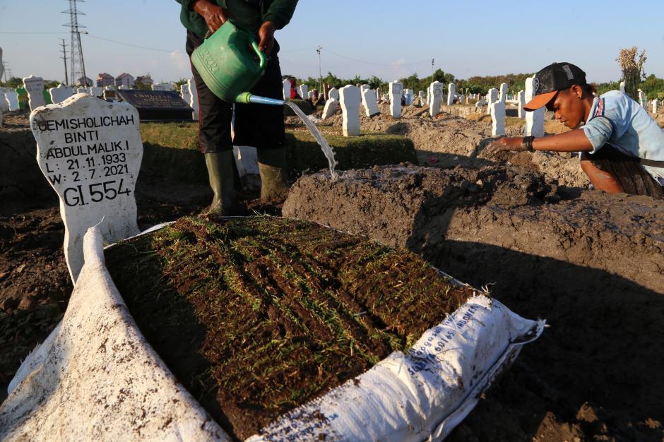 Kematian Akibat Covid-19 di Surabaya Hampir Nihil-2