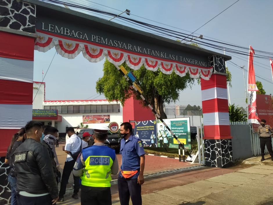 Puluhan Polisi Jaga Ketat TKP Kebakaran Lapas Tangerang-0