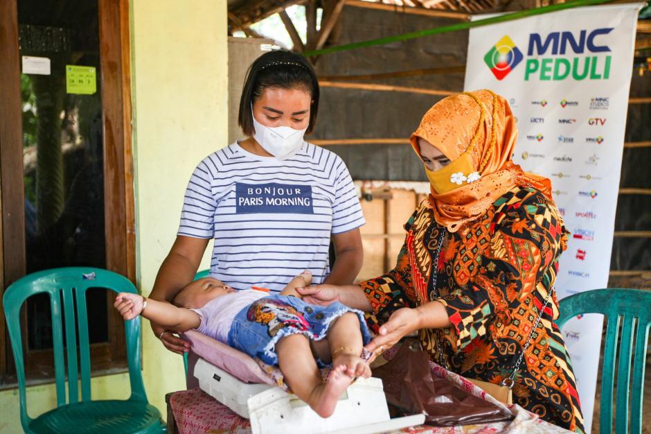 Cegah Stunting Pada Anak, MNC Peduli dan Posyandu Melati 9 Berikan Layanan Cek Gizi Rutin-2