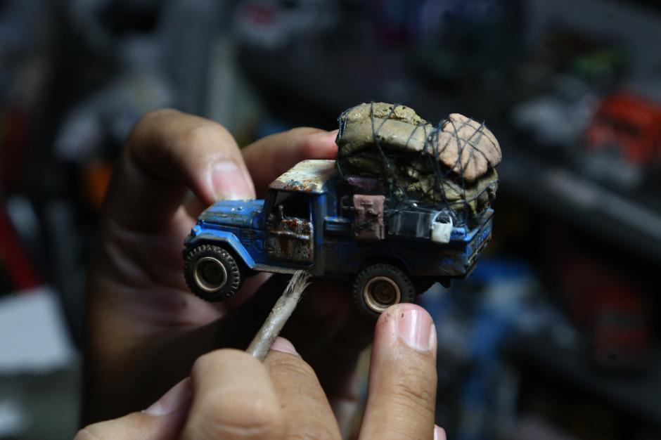 Bermodal Barang Bekas, Perajin Miniatur Mobil Ini Kantongi Cuan Rp60 Juta Setiap Bulan-7