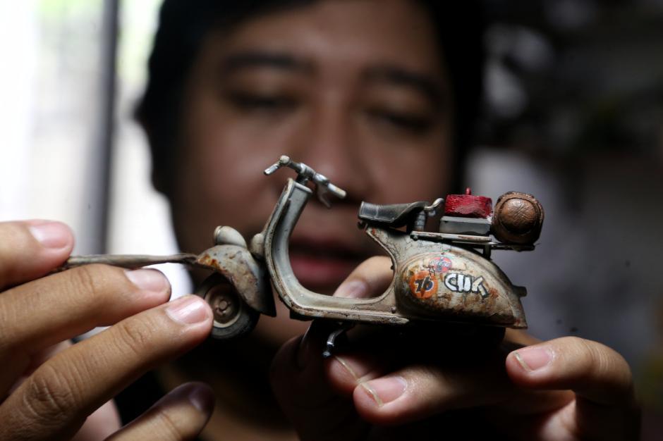 Bermodal Barang Bekas, Perajin Miniatur Mobil Ini Kantongi Cuan Rp60 Juta Setiap Bulan-2
