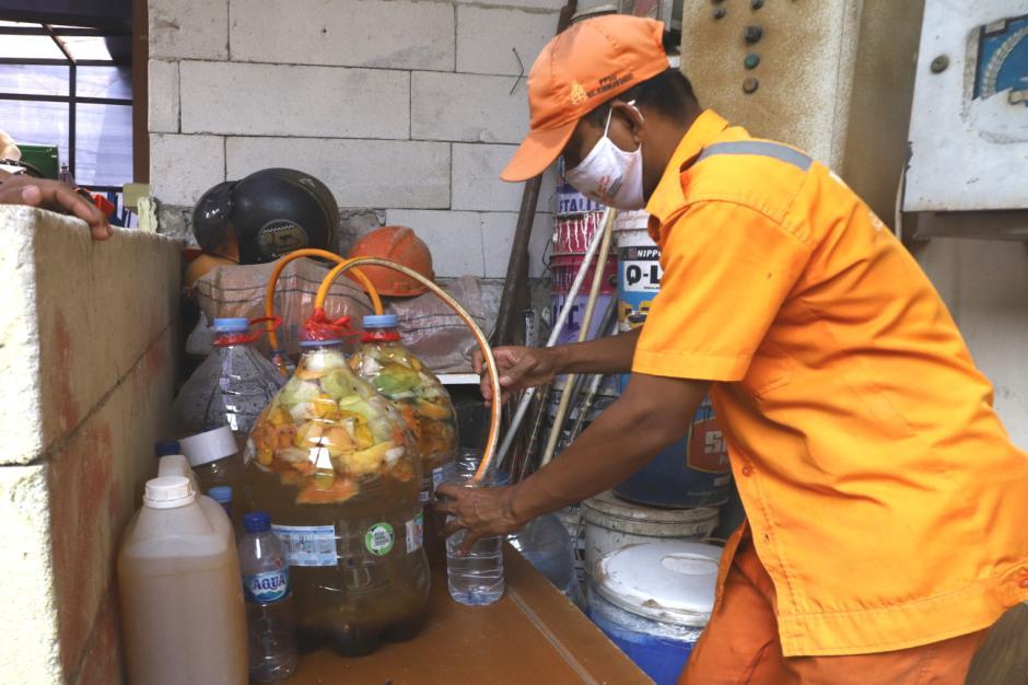 Melihat Rumah Budidaya Ulat Maggot di Kelurahan Kuningan Barat-2