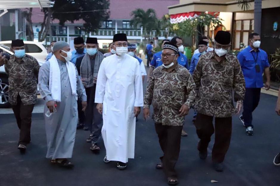 Kunjungi Ponpes Husnul Khotimah Kuningan, Zulkifli Hasan Ingatkan Pesan Persatuan-3
