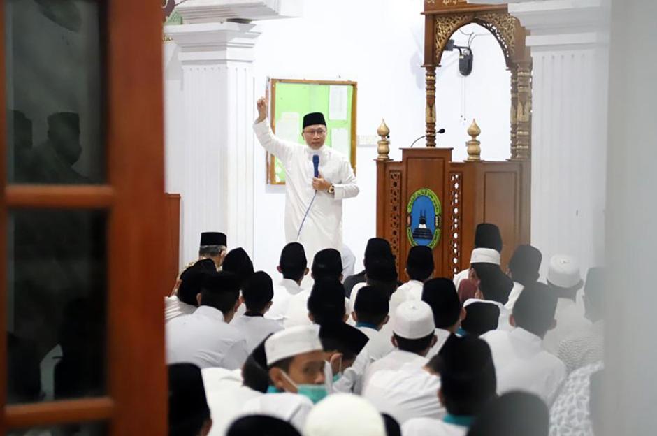 Kunjungi Ponpes Husnul Khotimah Kuningan, Zulkifli Hasan Ingatkan Pesan Persatuan-1