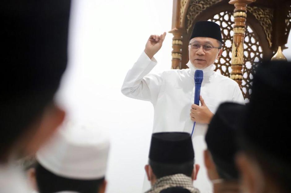 Kunjungi Ponpes Husnul Khotimah Kuningan, Zulkifli Hasan Ingatkan Pesan Persatuan-0