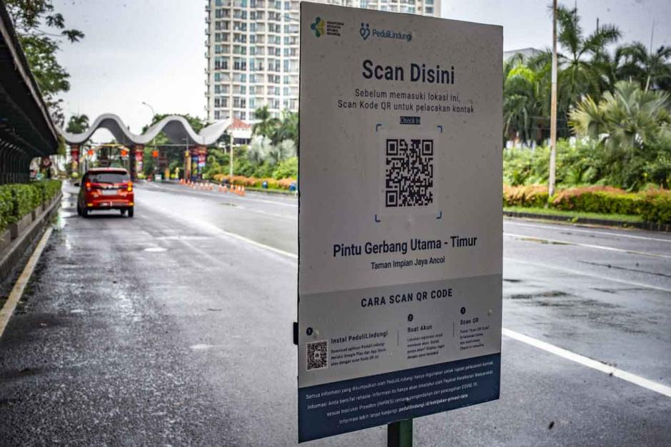 Uji Coba Aplikasi PeduliLindungi di Taman Impian Jaya Ancol-2