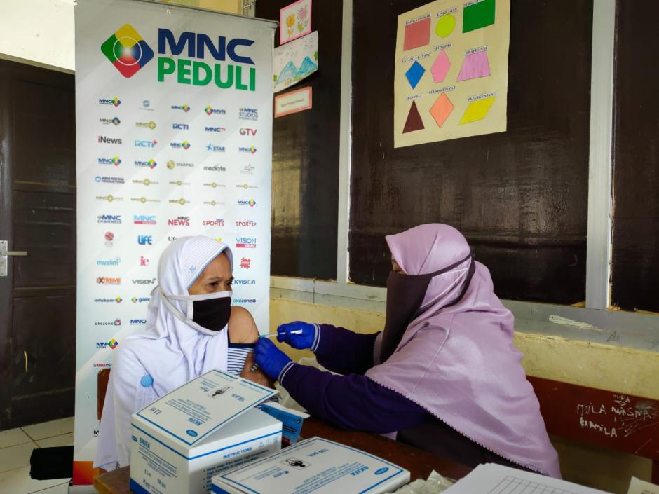 Hadir di Daerah Terpencil, Sentra Vaksinasi MNC Peduli Sasar Warga Desa Malasari Bogor-3