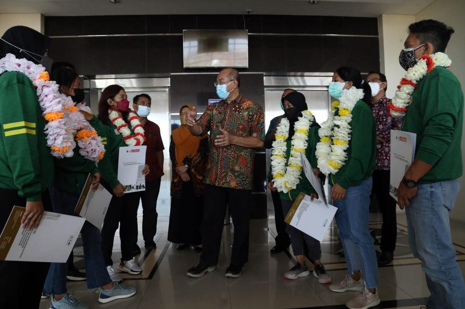 Sembilan Mahasiswa UMSurabaya Wakili Jawa Timur di Ajang PON Papua-4