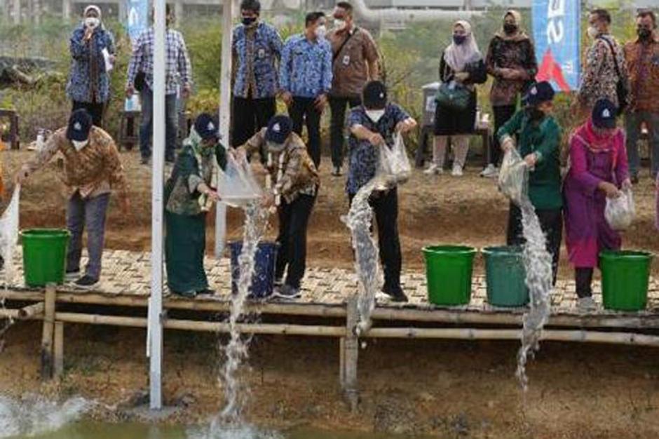Menteri Halim Iskandar Kunjungi Edupark Semen Gresik di Rembang-2