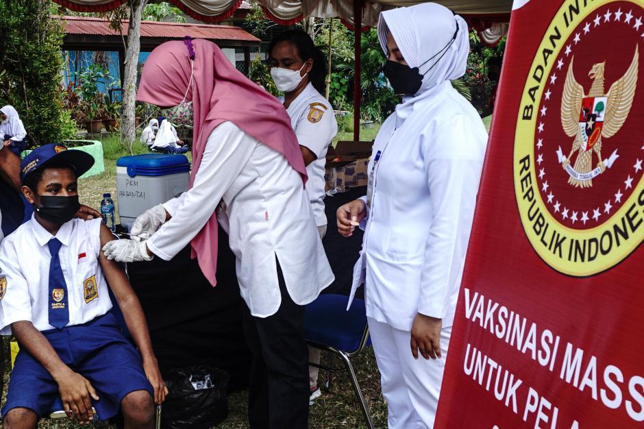 Vaksinasi Covid-19 Bagi Pelajar di Jayapura-1
