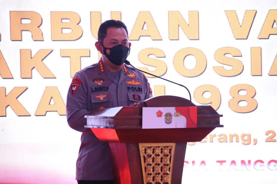 Tinjau Serbuan Vaksinasi AKABRI 1998, Kapolri: Wujud Sinergitas TNI-Polri Tekan Pertumbuhan Covid-19-1