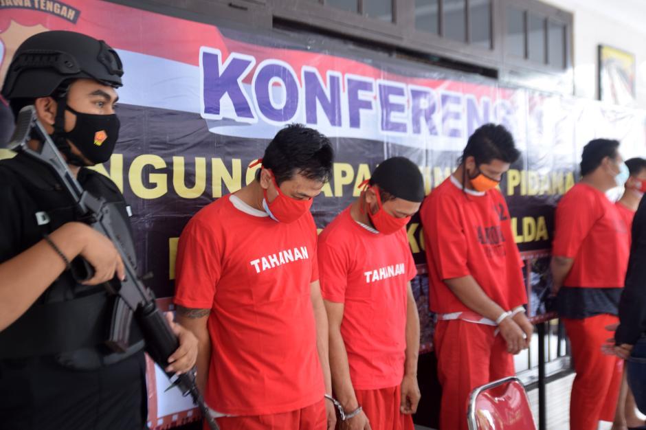 Ditresnarkoba Polda Jateng Tangkap 5 Pengedar Sabu di 4 Lokasi Berbeda-1