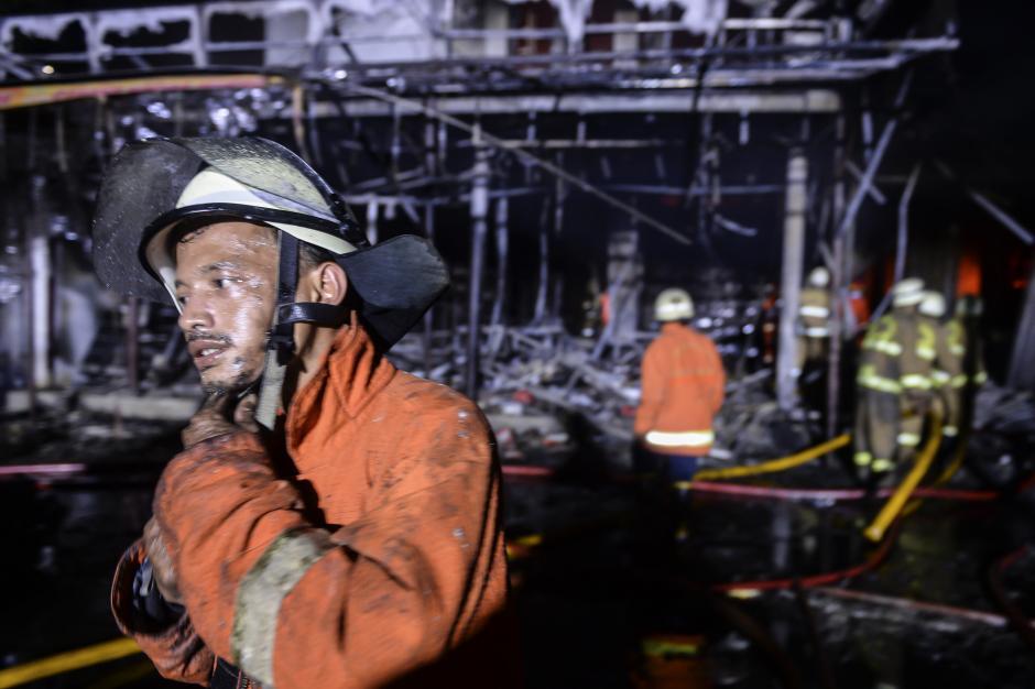 Kebakaran Pasar Swalayan di Cilandak Jaksel-5