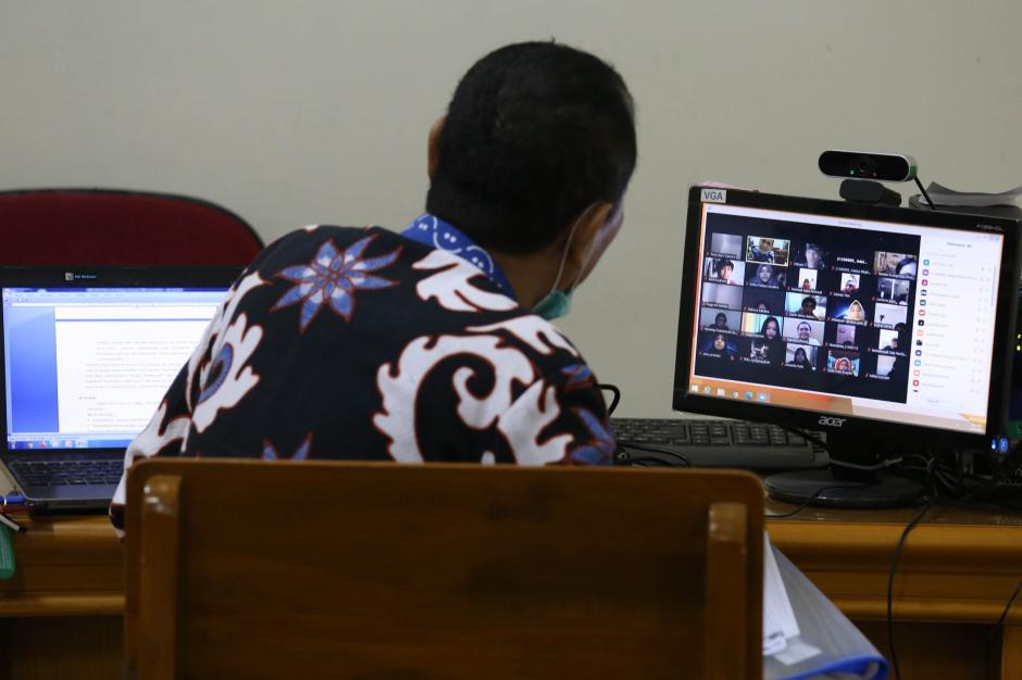 Melihat Pelaksanaan Perkuliahan Hybrid di Surabaya-4
