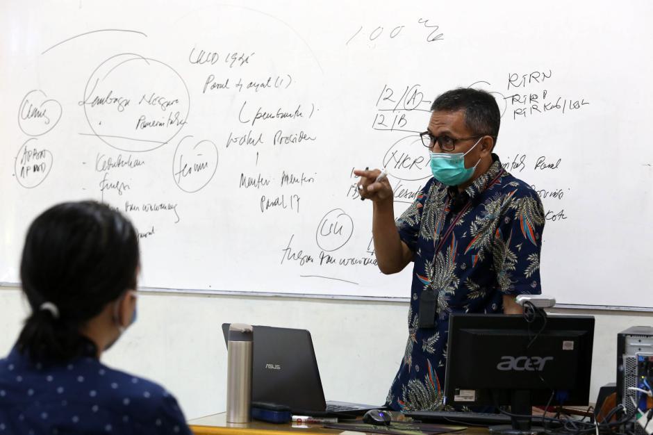 Melihat Pelaksanaan Perkuliahan Hybrid di Surabaya-3