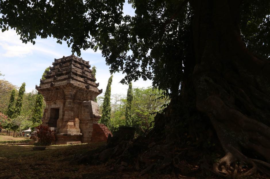 Berburu Harta Karun Peninggalan Majapahit di Gunung Keramat-3