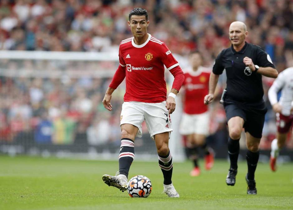 Begini Kegigihan Pemain Aston Villa Saat Permalukan Manchester United di Old Trafford-0